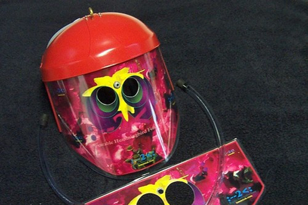 500x_hummingbird_feeder_helmet1