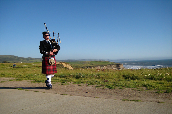 harvey-the-bagpiper3