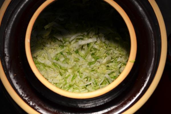 sauerkraut-stuffed-crock